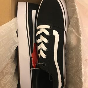 1f894958535452 Vans Shoes - NIB Vans Ward Women s Skate Shoes